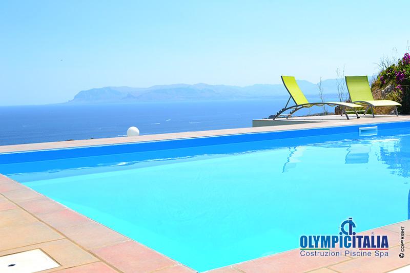 Costruzione piscina skimmer sfioratore riserva dello for Offerte piscine