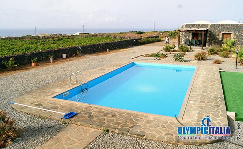 Costruzione piscina prefabbricata pantelleria offerte for Offerte piscine