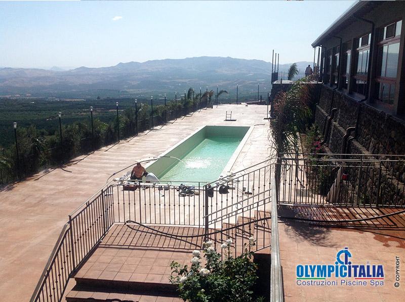 Costruzione piscina la tenuta catania offerte piscine for Offerte piscine